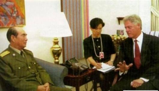 张万年让克林顿打破外交惯例 转交江泽民亲笔信