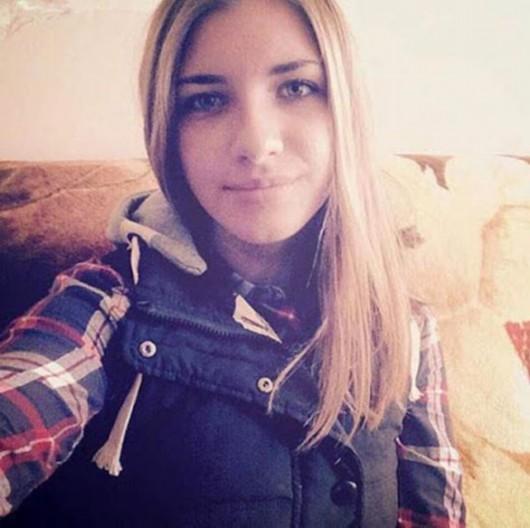 俄社交网站vk上出现的空难第一名遇害者15岁少女伊芙列娃照片